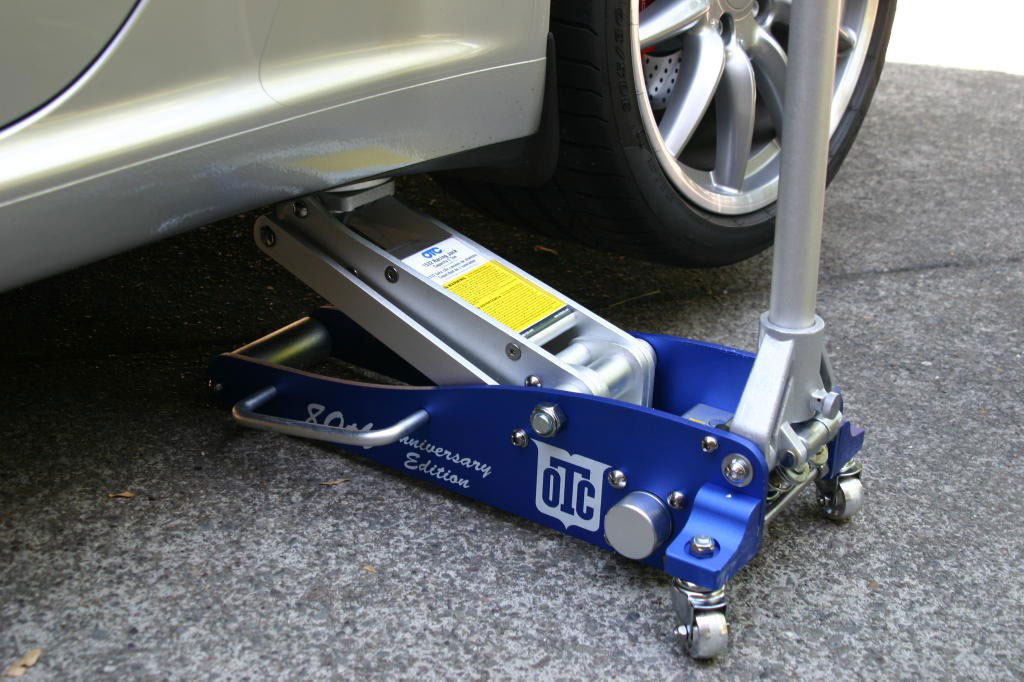 Find The Best Floor Jack For Your Needs 2017 Guide