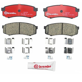 BRAND NEW SET OF CERAMIC BRAKE PADS 4 REAR BRAKE PADS