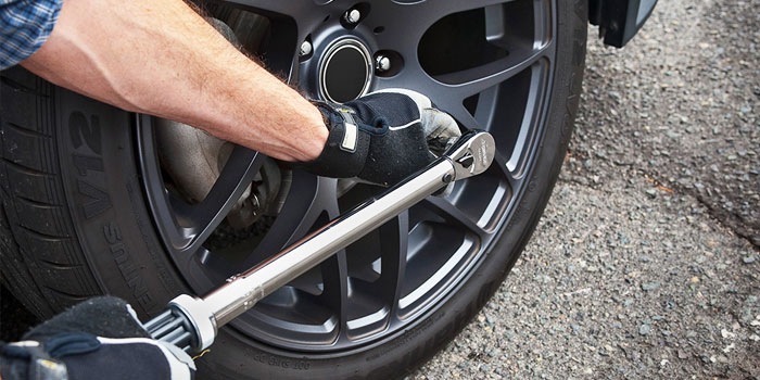 choosing a torque wrench