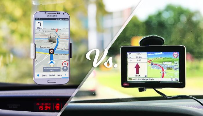 smartphone vs car GPS