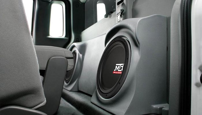 choosing a subwoofer for car